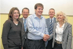 Nicola Klamer, Bürgermeister Höfer, FSJ-ler Peter Kälberer, Thomas Rufer und Dr. Barbara Schenk-Zitsch von der unterstützenden Stiftung.